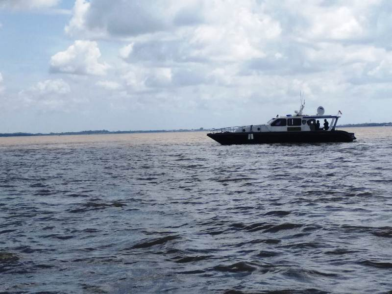 https: img.okeinfo.net content 2019 02 12 340 2016820 kapal-tujuan-malaysia-tenggelam-dihantam-ombak-di-perairan-meranti-eCunQd6dj3.jpg