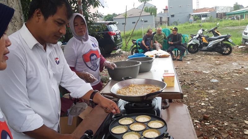 https: img.okeinfo.net content 2019 02 12 606 2016888 pelatihan-cooking-class-caleg-perindo-wujudkan-peluang-usaha-untuk-menambah-penghasilan-8GlcQFLgEL.jpg
