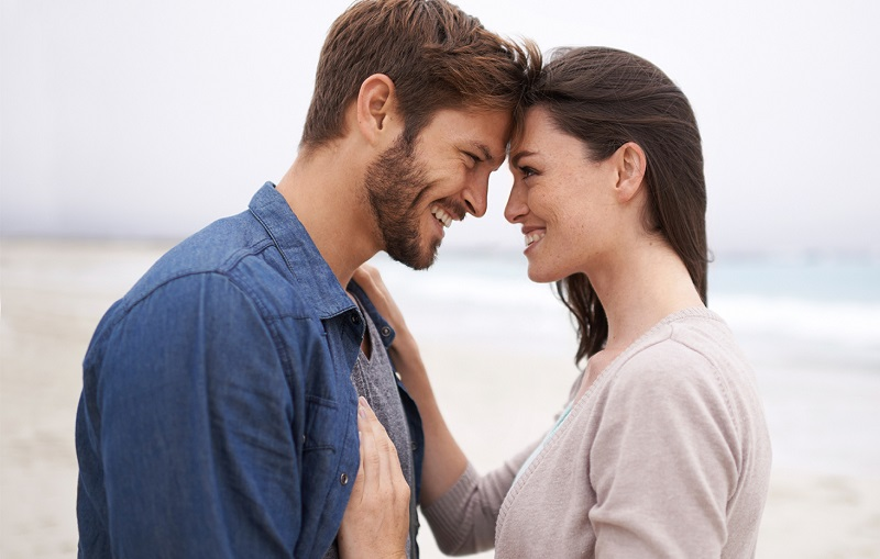 Siapa yang Lebih Mudah Jatuh Cinta, Pria atau Perempuan?