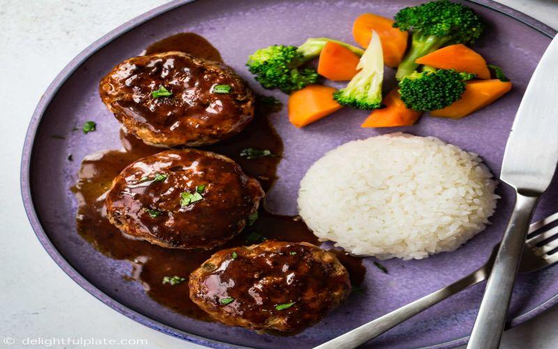 https: img.okeinfo.net content 2019 02 13 298 2017501 bukan-kentang-hamburg-steak-dari-jepang-disantap-dengan-nasi-Z9O4r5ozqs.jpg