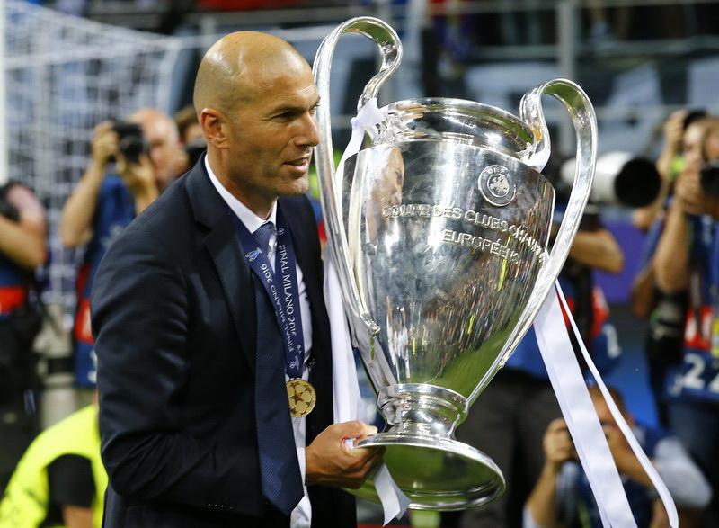 https: img.okeinfo.net content 2019 02 13 51 2017404 legenda-sepakbola-italia-prediksi-zidane-latih-juventus-musim-depan-CzzIDkRxm8.jpg
