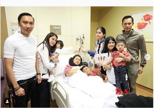 https: img.okeinfo.net content 2019 02 14 196 2017707 divonis-kanker-darah-ani-yudhoyono-keluarga-adalah-supporter-utama-kxks5dp0If.jpg