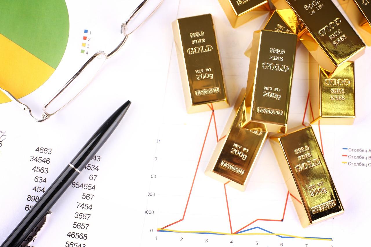 https: img.okeinfo.net content 2019 02 14 320 2017709 harga-emas-naik-tipis-di-tengah-penguatan-dolar-j0pSIkPYhK.jpg