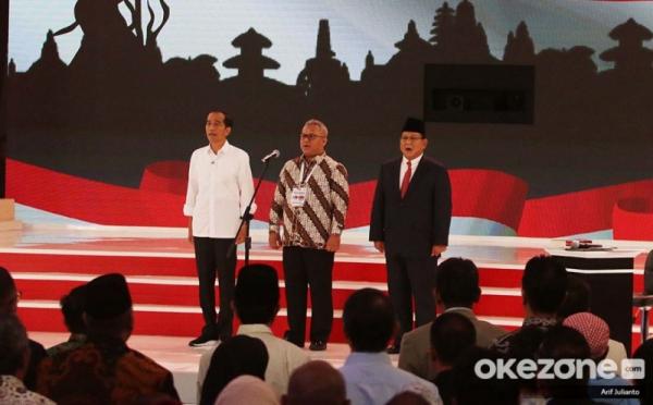 https: img.okeinfo.net content 2019 02 18 320 2019394 jokowi-apresiasi-petani-jagung-dan-padi-di-debat-pilpres-33XJiJsfPq.jpg