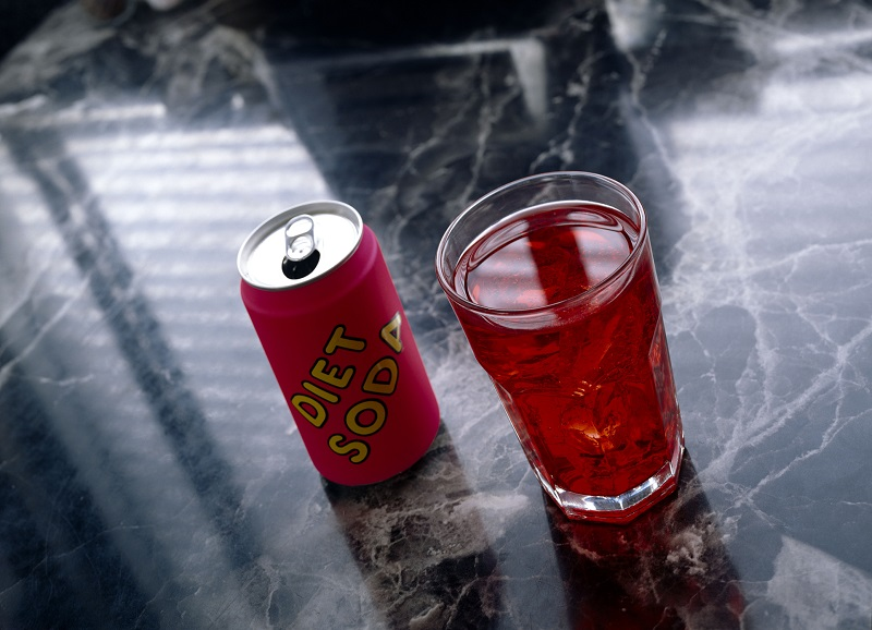 https: img.okeinfo.net content 2019 02 18 481 2019779 bahaya-minum-diet-soda-minuman-yang-sering-dipercaya-bisa-bikin-kurus-wlI1sDc7rM.jpg