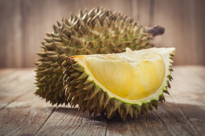 https: img.okeinfo.net content 2019 02 19 481 2020110 raja-buah-nan-eksotis-ini-5-manfaat-makan-durian-PIgSSWCtzm.jpg