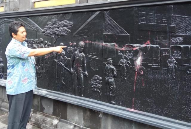 https: img.okeinfo.net content 2019 02 20 510 2020425 petugas-akan-tambah-cctv-pasca-vandalisme-di-monumen-serangan-1-maret-BCH16znCnP.jpg