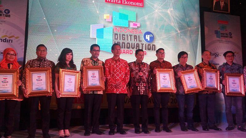 https: img.okeinfo.net content 2019 02 22 320 2021700 mnc-life-raih-penghargaan-indonesia-digital-innovation-award-2019-sRJhHqYIll.jpg