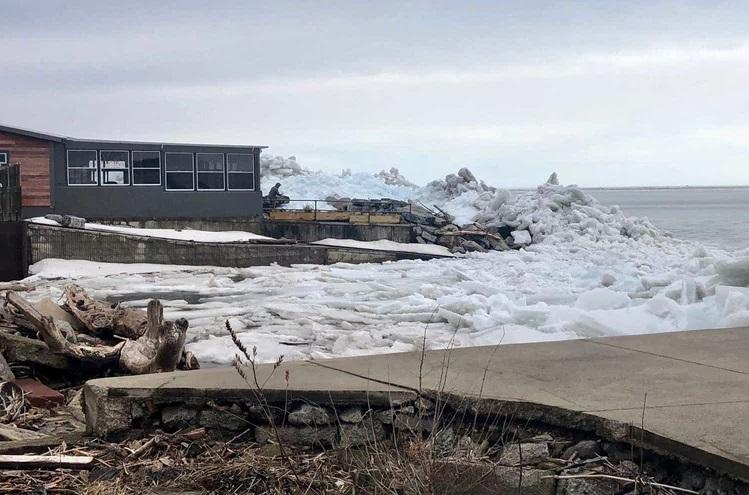https: img.okeinfo.net content 2019 02 26 406 2023239 bikin-merinding-ini-video-terjadinya-tsunami-es-di-danau-erie-n5E2gChPN5.jpg