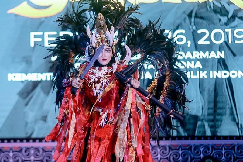 https: img.okeinfo.net content 2019 02 27 406 2023731 jember-fashion-carnaval-2019-usung-tema-keagungan-berbagai-suku-bangsa-rsBWj4HaGQ.jfif