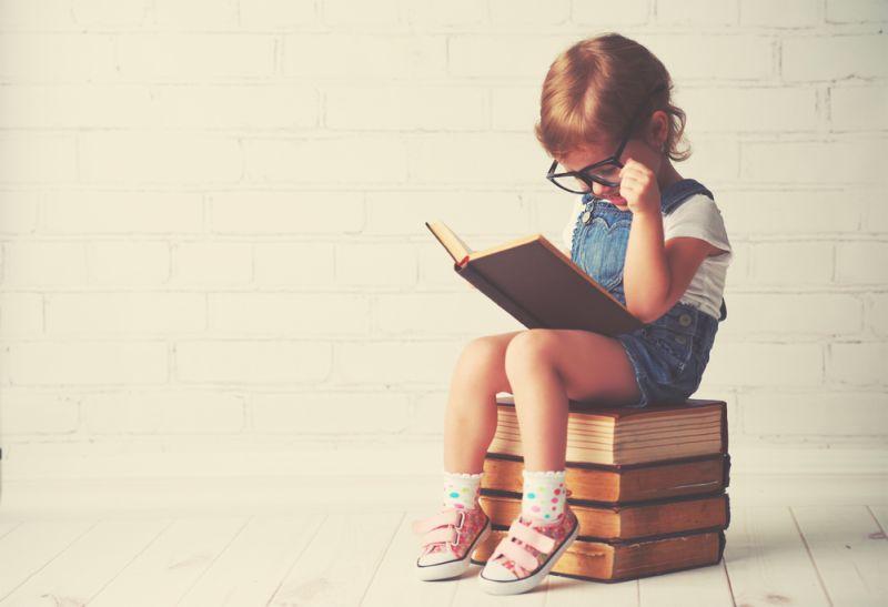 https: img.okeinfo.net content 2019 02 28 612 2023930 belajar-dari-menteri-susi-benarkah-membaca-lebih-penting-dari-sekolah-VwJzNGiBfm.jpg