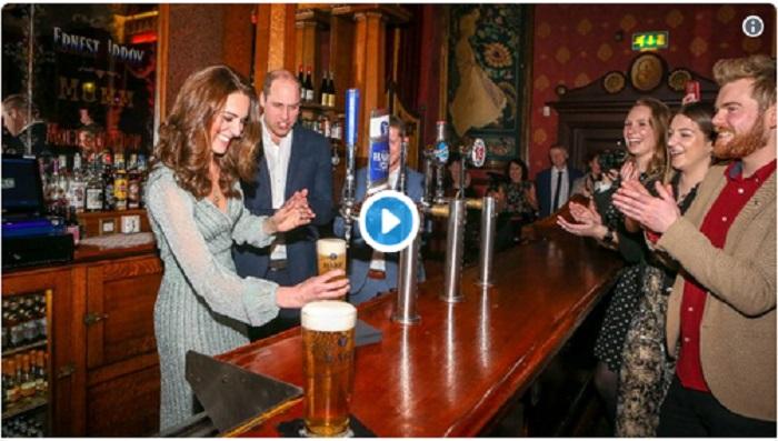 https: img.okeinfo.net content 2019 03 01 298 2024674 kunjungi-pub-di-irlandia-lihat-aksi-kate-middleton-jadi-penyaji-minuman-bir-cxuFlIhwLI.jpg