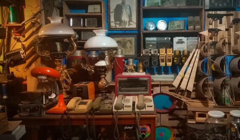 https: img.okeinfo.net content 2019 03 07 406 2027157 cheribon-vintage-gallery-tempat-berburu-barang-antik-di-cirebon-zoo1sEfEG9.JPG