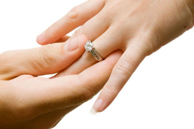 https: img.okeinfo.net content 2019 03 08 196 2027566 perkawinan-di-bawah-umur-marak-terjadi-seks-bebas-jadi-alasan-utamanya-QHXZscQU9Y.jpg