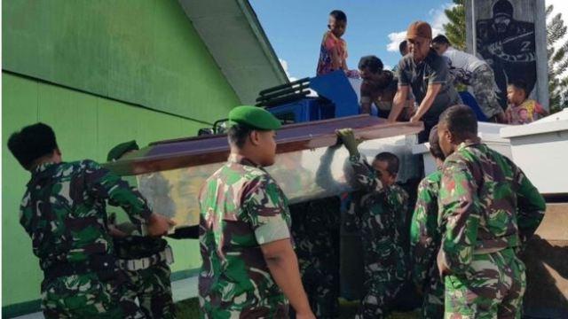 https: img.okeinfo.net content 2019 03 08 340 2027294 jenazah-3-anggota-tni-korban-kkb-papua-dipulangkan-ke-kampung-halaman-0DIGkVh93S.jpg