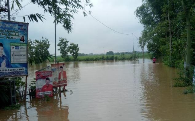 https: img.okeinfo.net content 2019 03 08 519 2027193 tuban-dikepung-banjir-warga-di-16-desa-terisolir-lKmH61Z7dO.JPG