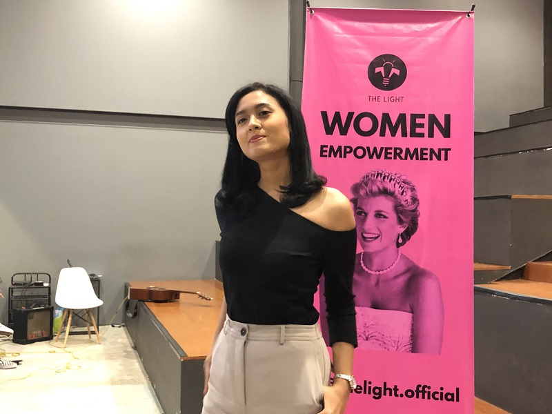 https: img.okeinfo.net content 2019 03 09 196 2027880 berkat-miss-indonesia-maria-harfanti-akui-jadi-lebih-dewasa-dan-peduli-isu-sosial-aJkUvioKJ3.jpeg