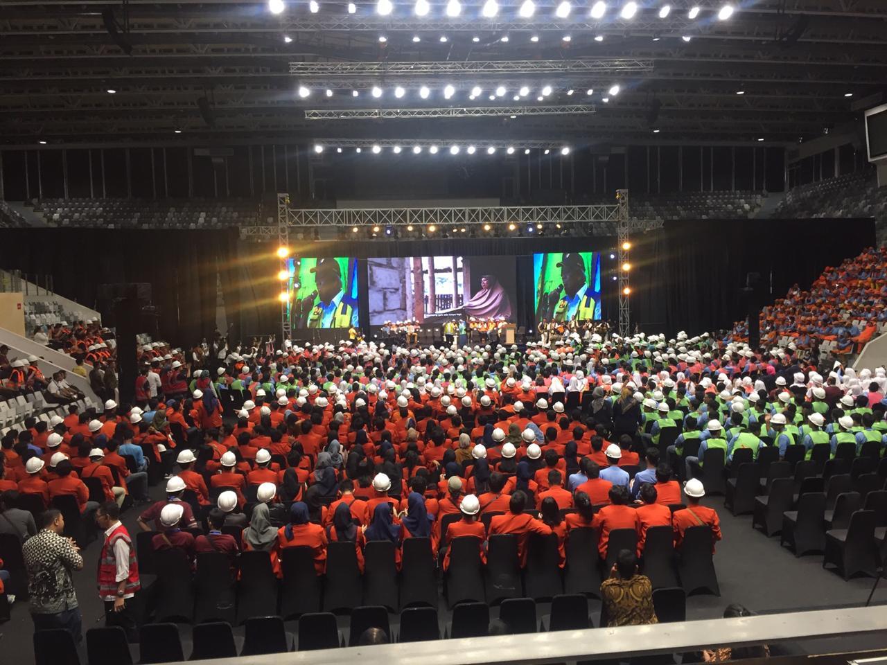 https: img.okeinfo.net content 2019 03 12 470 2029006 bagikan-16-000-sertifikat-menteri-pupr-presiden-jokowi-ingin-tenaga-konstruksi-premium-lFe3G19rNO.jpg