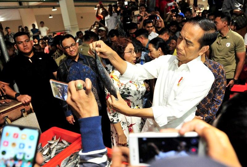 https: img.okeinfo.net content 2019 03 14 320 2029781 presiden-jokowi-pasar-ikan-muara-baru-akan-jadi-contoh-di-provinsi-lain-loVTxCRnhQ.jpg