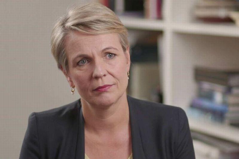 https: img.okeinfo.net content 2019 03 15 18 2030244 jika-menang-pemilu-pihak-oposisi-australia-akan-permudah-aborsi-NQg0Xoq5It.jpg