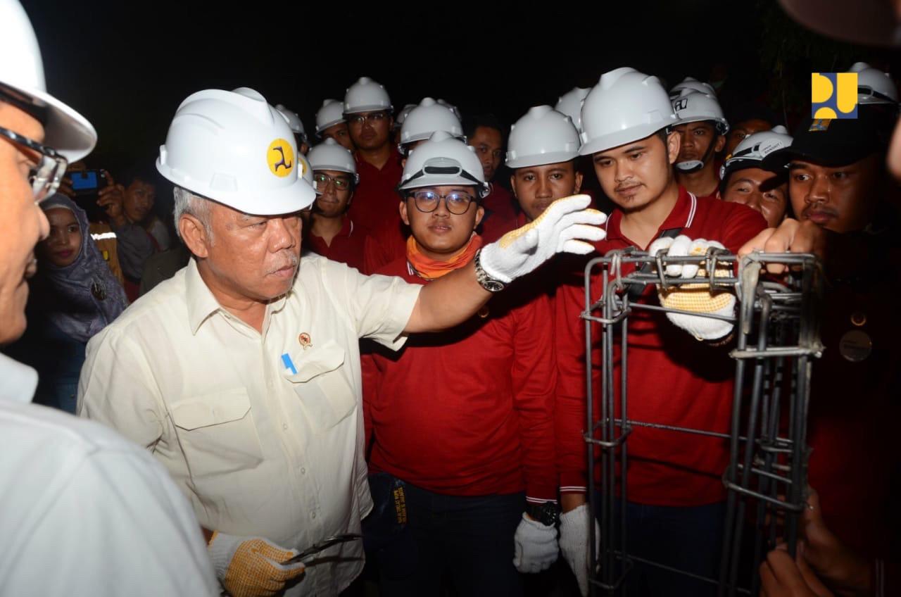 https: img.okeinfo.net content 2019 03 15 470 2030591 menteri-basuki-dorong-kerjasama-penyediaan-air-bersih-dengan-swasta-kqykzgYkcW.jpg
