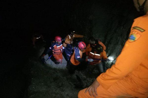 https: img.okeinfo.net content 2019 03 18 512 2031585 3-bocah-karanganyar-ditemukan-meninggal-di-lokasi-galian-c-yS8mKQtDTQ.jpg