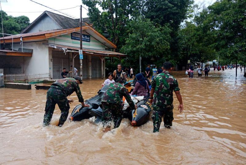 https: img.okeinfo.net content 2019 03 20 609 2032756 ternyata-ini-penyebab-banjir-parah-di-sulawesi-selatan-UgwJL5ApLX.jpg