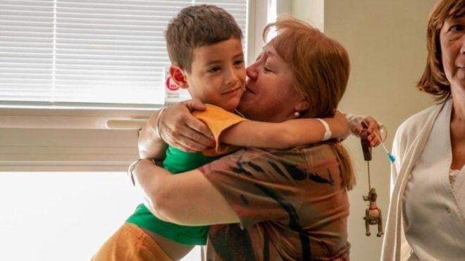 https: img.okeinfo.net content 2019 03 21 18 2032911 bocah-argentina-hilang-di-padang-pasir-bertahan-hidup-makan-rumput-minum-air-sungai-YOoynARB6g.jpg