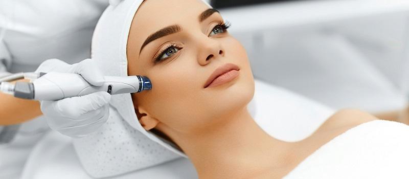 https: img.okeinfo.net content 2019 03 23 611 2034077 perawatan-wajah-paling-laris-perempuan-bisa-cantik-tanpa-operasi-plastik-aJu0M26O70.jpg