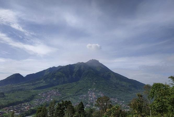 https: img.okeinfo.net content 2019 03 24 510 2034190 gunung-merapi-dua-kali-luncurkan-guguran-lava-pijar-1PT7mwvtPa.JPG