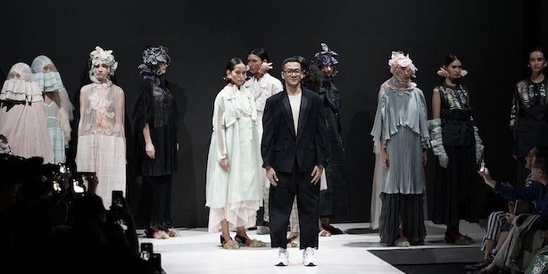 https: img.okeinfo.net content 2019 03 26 194 2035077 3-desainer-ungkap-kekuatan-wanita-dan-kesetaraan-gender-lewat-fashion-EEjoc2ra5e.jpg