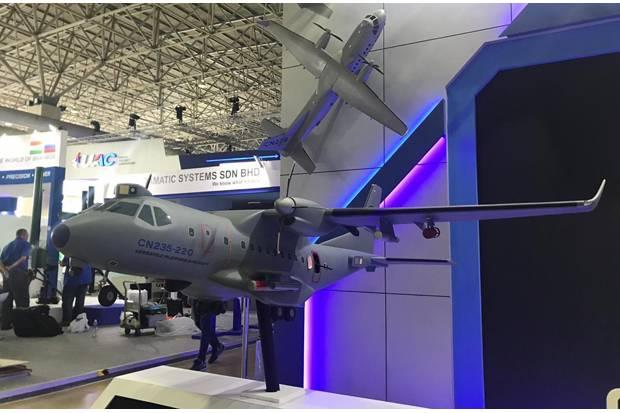 https: img.okeinfo.net content 2019 03 27 320 2035502 ptdi-tawarkan-pesawat-tempur-cn235-gunship-di-malaysia-U41yPXgeKz.jpg