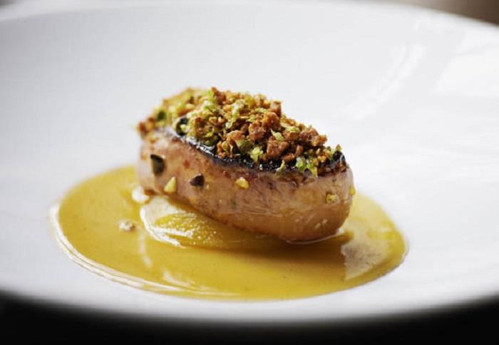 https: img.okeinfo.net content 2019 03 29 298 2036742 foie-gras-hidangan-mewah-yang-disantap-syahrini-di-swiss-ternyata-dilarang-di-sejumlah-negara-10hSmt8FPj.jpg