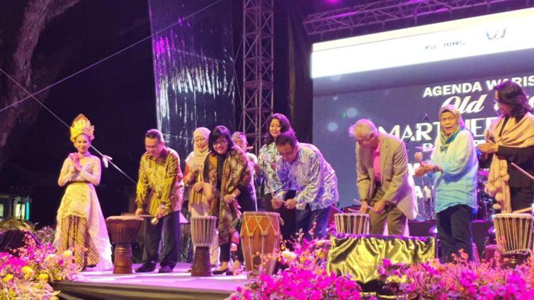 https: img.okeinfo.net content 2019 04 03 406 2038542 pengunjung-festival-wonderful-indonesia-di-malaysia-capai-350-ribu-orang-ZrNCqWg0M2.jpg