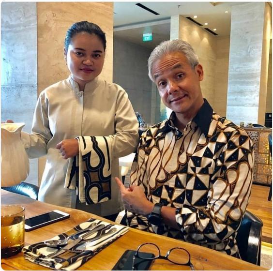 https: img.okeinfo.net content 2019 04 04 194 2038888 batiknya-mirip-dengan-serbet-hotel-ganjar-pranowo-ada-yang-mau-dilap-x5IqM8Wgn2.jpg