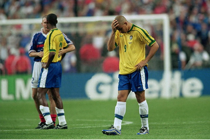 https: img.okeinfo.net content 2019 04 05 51 2039606 misteri-ronaldo-tampil-buruk-di-final-piala-dunia-1998-RU9DCXqy0m.jpg