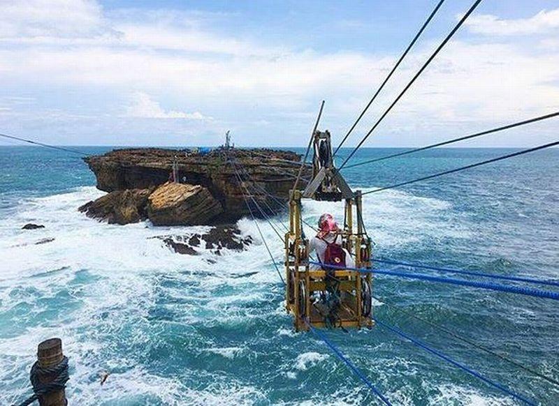 https: img.okeinfo.net content 2019 04 06 406 2040014 yogyakarta-raih-penghargaan-wisata-bahari-dan-ekstrem-Rq9zFnfilM.JPG