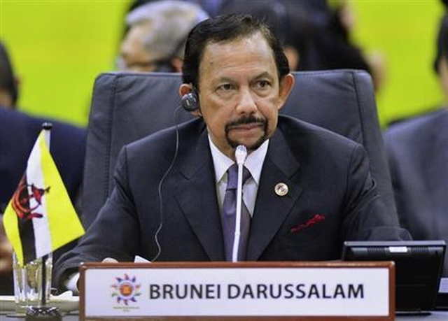 https: img.okeinfo.net content 2019 04 07 18 2040151 terapkan-rajam-mati-untuk-lgbt-sultan-brunei-dinilai-tiru-isis-AhpyTjzQ6W.jpg