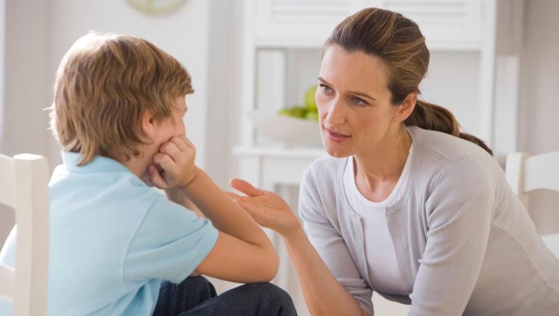 https: img.okeinfo.net content 2019 04 08 196 2040718 dampak-negatif-pada-anak-jika-merasa-orangtuanya-pilih-kasih-U9vWEmHXbt.jpg