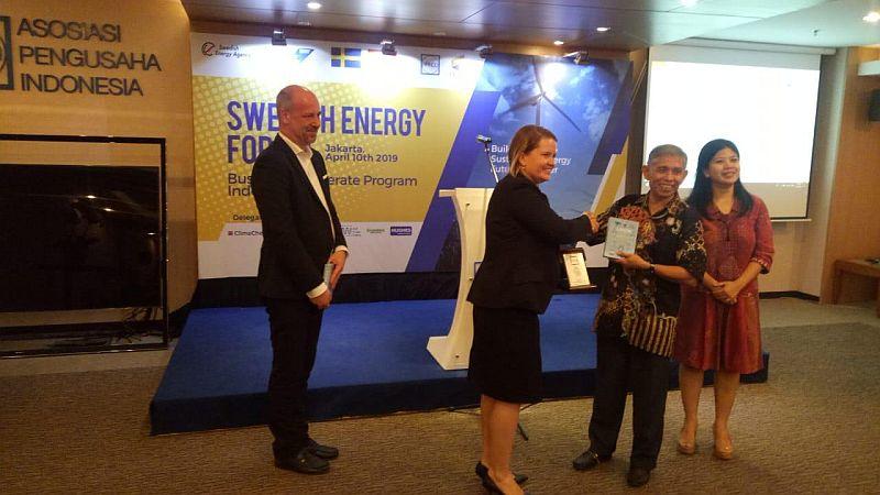 https: img.okeinfo.net content 2019 04 10 320 2041608 indonesia-swedia-kerja-sama-kembangkan-energi-terbarukan-25ZXqYzviV.jpg