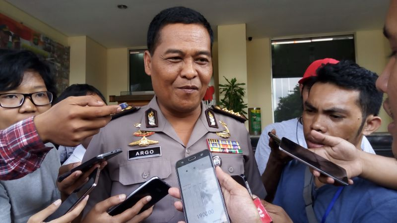 https: img.okeinfo.net content 2019 04 10 338 2041501 polisi-ciduk-artis-ftv-terkait-narkoba-di-kabayoran-baru-onVFcxDvpE.jpg