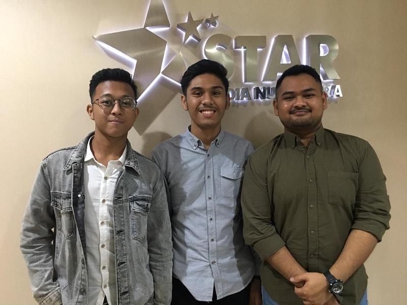 https: img.okeinfo.net content 2019 04 11 598 2042179 elvan-saragih-kenang-momen-indah-saat-karantina-rising-star-indonesia-fJoggNotCx.jpg