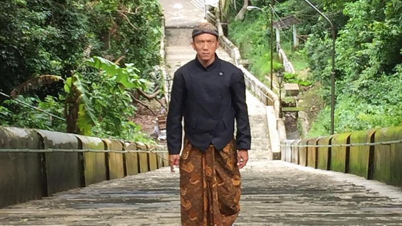 https: img.okeinfo.net content 2019 04 16 206 2043960 teuku-rifnu-wikana-ingin-industri-film-indonesia-terus-berbenah-F3lnmUhfK3.jpg