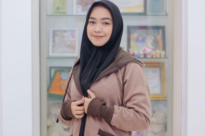https: img.okeinfo.net content 2019 04 16 33 2044138 termakan-hastag-ria-ricis-menyesal-dukung-audrey-nS2HJknRCk.jpg