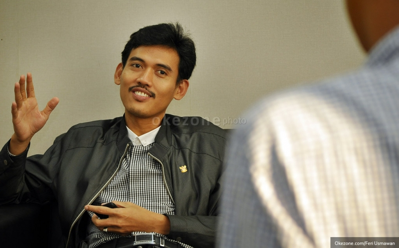 https: img.okeinfo.net content 2019 04 16 605 2044232 golput-bukan-solusi-untuk-indonesia-yang-lebih-baik-CZLKC8np1L.jpg