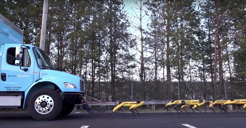 https: img.okeinfo.net content 2019 04 17 56 2044725 robot-menyerupai-anjing-bisa-tarik-mobil-truk-ini-videonya-O0Y13J2tIx.jpg