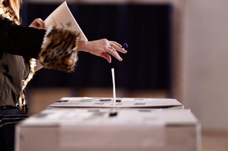 https: img.okeinfo.net content 2019 04 17 605 2044910 survei-median-sebut-partisipasi-pemilu-2019-naik-10-wHRZBIStAA.jpg