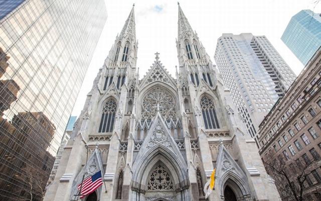 https: img.okeinfo.net content 2019 04 18 18 2045098 bawa-bensin-dan-korek-seorang-pria-ditangkap-saat-masuk-ke-katedral-st-patrick-new-york-tncWzUIV1u.jpg