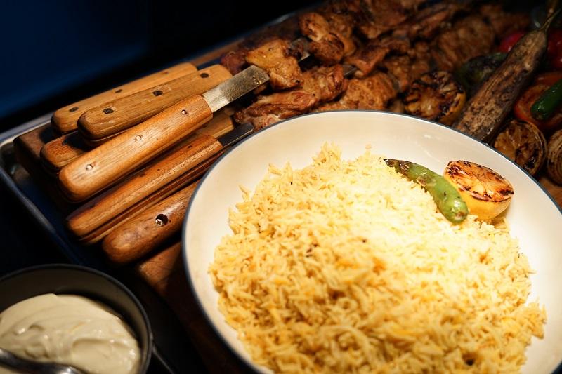 https: img.okeinfo.net content 2019 04 18 298 2045349 kombinasi-daging-dan-cita-rasa-rempah-keunggulan-hidangan-kebab-khas-turki-QaeGyu6B8O.jpg