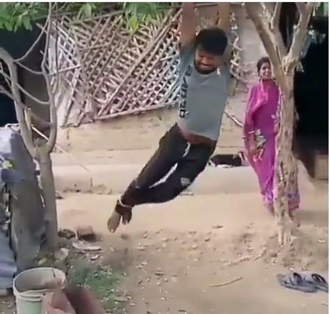 https: img.okeinfo.net content 2019 04 18 612 2045002 ngambek-wanita-ini-gantung-suaminya-di-atas-pohon-ZoDmGH5QZC.png